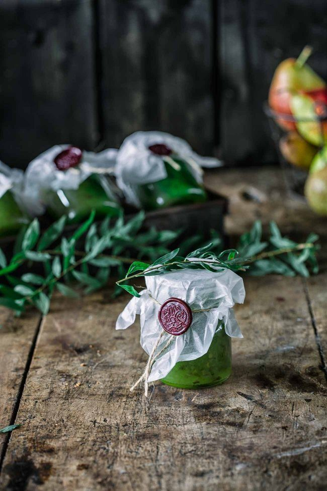 Birnen-Gurken Marmelade Heute wird es Grün! Eine grüne Mischung aus Birne, Gurke und Matcha. So schön grün, dass ich direkt ein paar Gläschen als Geschenk verpackt habe.