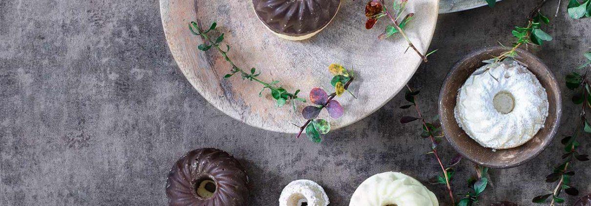 Mini-Gugel Jetzt wird es ganz unspektakulär! Aber so ein paar Mini-Gugel sind einfach schnell vorbereitet. Meist habe ich alle Zutaten im Haus und daher eignen sie sich auch bei spontanen Besuchen, plötzlicher Lust auf Kuchen und zur schönen Tischdekoration.