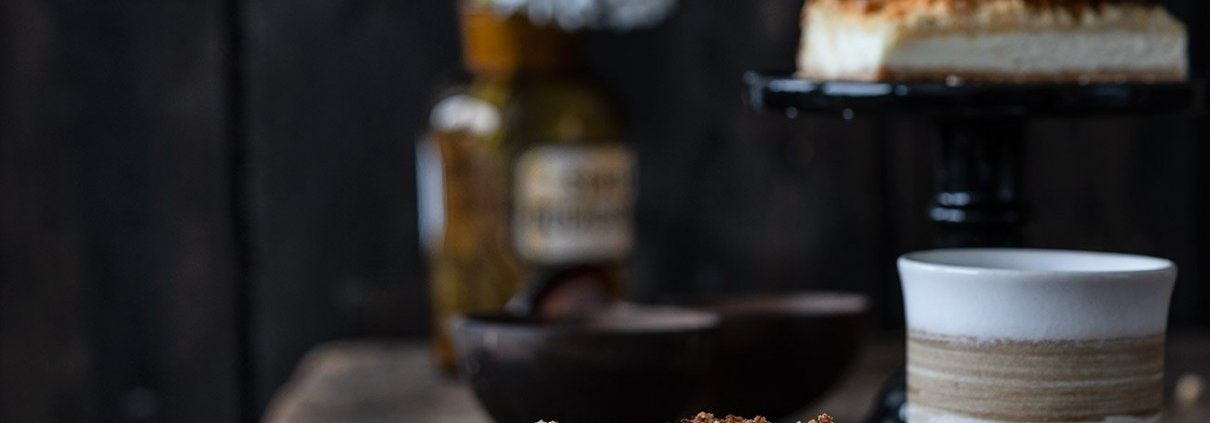 Das Wochenende wird mit einem großen Stück Käsekuchen eingeläutet. Fehlen dürfen auf gar keinen Fall die Portion Streusel obendrauf.