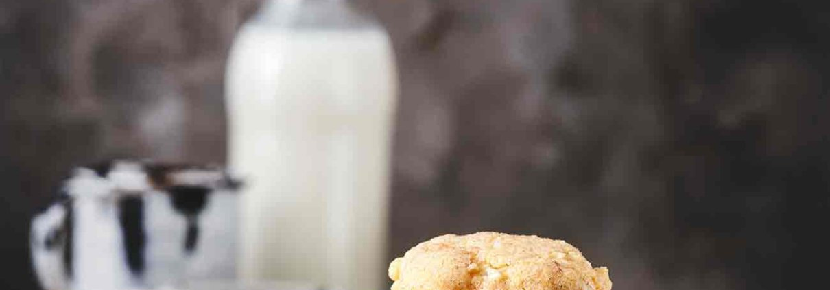 Magst du es, wenn du in einen Keks beißt und dieser innen noch ganz klebrig ist? Ich auf jeden Fall und diese Kekse, die wie ein großer warmer Apfelkuchen schmecken, sind genau richtig.